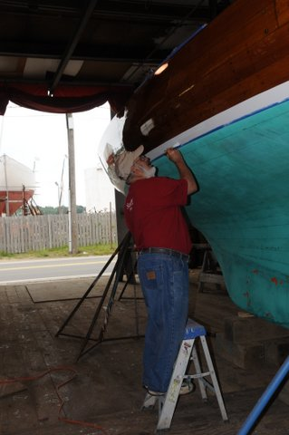 boat varnishing